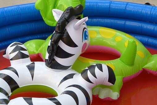 Inflatable Pool Buying Guide: Important Tips to Read Before You Buy